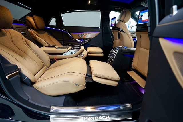 mercedes-maybach-s-560-!MODELL-2019!-!EXKLUSIV-PAKET-+-MAGIC-SKY-CONTROL-+-STANDHEIZUNG! (9).jpg