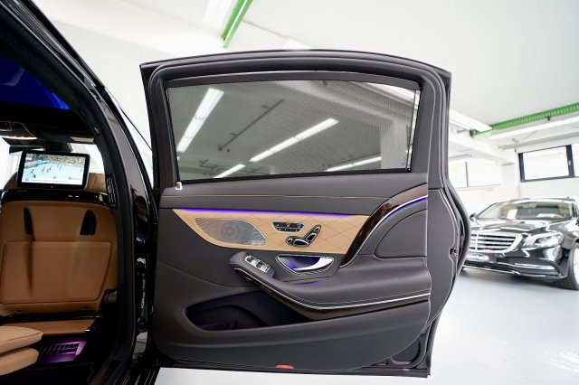mercedes-maybach-s-560-!MODELL-2019!-!EXKLUSIV-PAKET-+-MAGIC-SKY-CONTROL-+-STANDHEIZUNG! (12).jpg