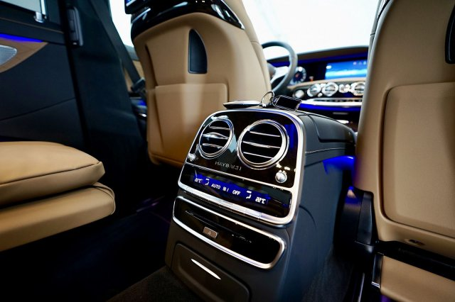 mercedes-maybach-s-560-!MODELL-2019!-!EXKLUSIV-PAKET-+-MAGIC-SKY-CONTROL-+-STANDHEIZUNG! (22).jpg