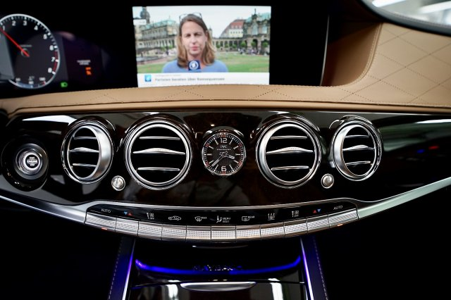 mercedes-maybach-s-560-!MODELL-2019!-!EXKLUSIV-PAKET-+-MAGIC-SKY-CONTROL-+-STANDHEIZUNG! (25).jpg