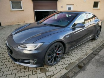 Tesla Model S Performance P100D Ludicrous + Carbon