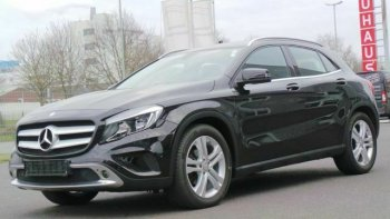 Mercedes-Benz GLA 220 d 4Matic Navi + Park Assist